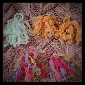 Other - 🌸 3 for $7 🌸 Girls hair ties